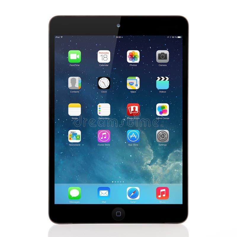 Nowy systemu operacyjnego IOS 7 ekran na iPad mini Apple zdjęcie royalty free