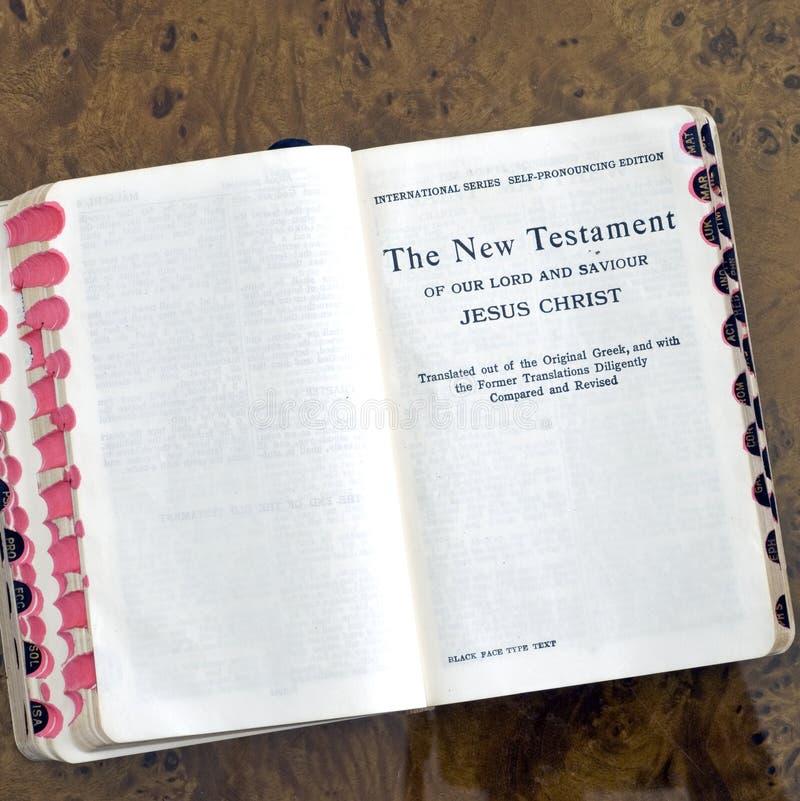 nowy testament kwadratowe książka zdjęcia royalty free