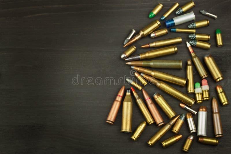 Nowy typ amunicje Pociski różni kalibery i typ Dobro swój pistolet Sprzedaże bronie i amunicje fotografia stock
