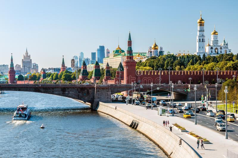 Nowy widok Moskwa Kremlin i Moskvoretskaya bulwar dowcip fotografia royalty free
