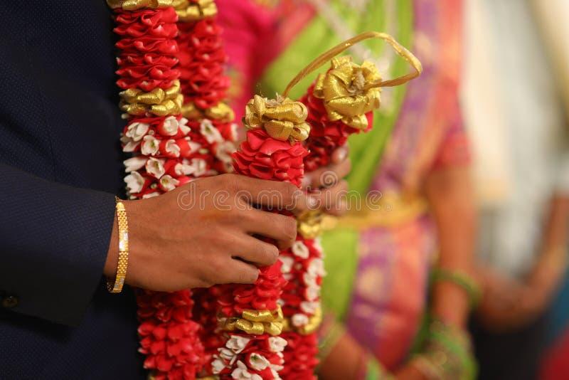 Nozze, celebrazione, amore, felice, tradizionale, fiori immagini stock