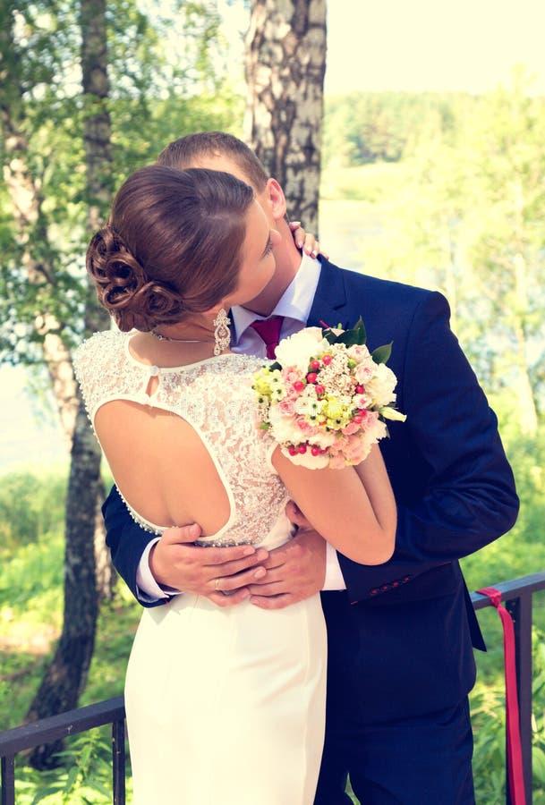 Nozze romantiche di estate nello stile della Provenza fotografia stock