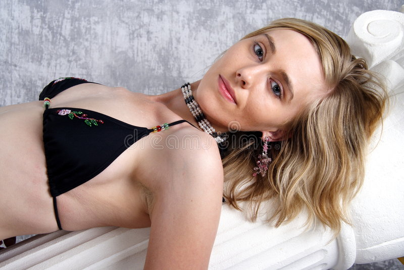 Download Nr. För Bikini För 2 Skönhet Blond Fotografering för Bildbyråer - Bild av dröm, härlig: 281919