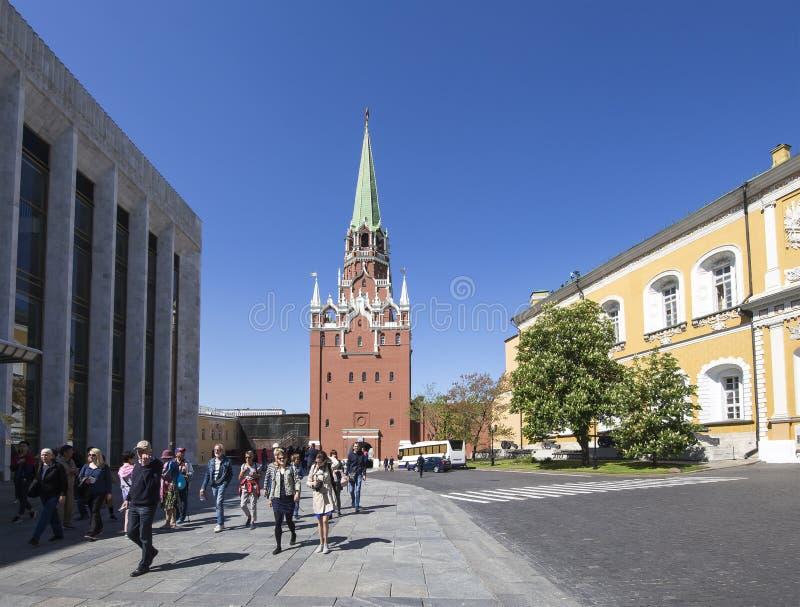 Nside del Cremlino di Mosca, giorno della Russia Palazzo di Cremlino del palazzo di Cremlino dello stato dei congressi immagine stock