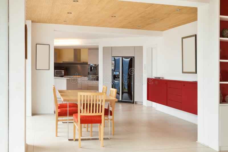 Nterior, τραπεζαρία, άποψη κουζινών στοκ φωτογραφίες με δικαίωμα ελεύθερης χρήσης