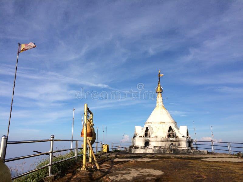 Nuage à la pagoda image stock
