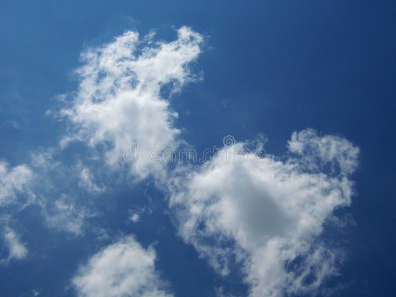 Nuage étonnant en ciel photo stock