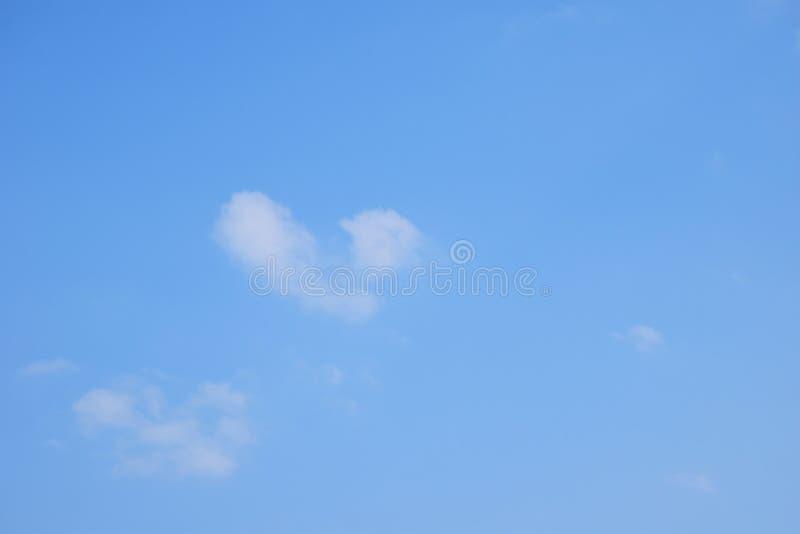 Nuage dans le ciel image libre de droits