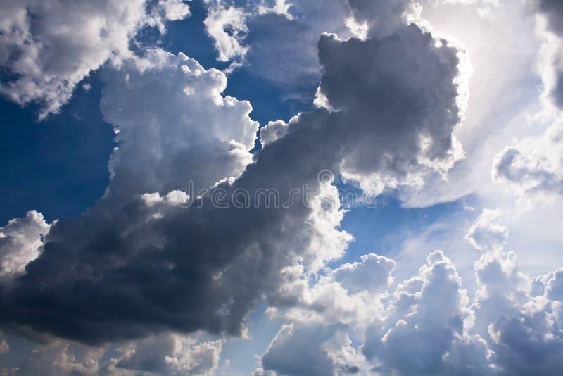Nuage de mediocris de cumulus images libres de droits