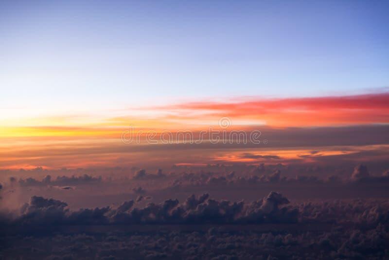 Nuage et ciel images stock