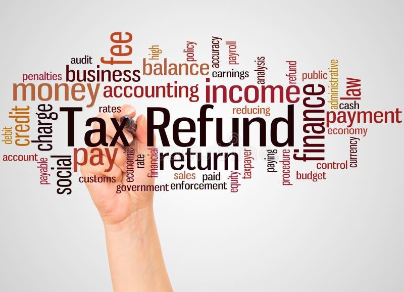 Nuage et main de mot de remboursement d'impôt fiscal avec le concept de marqueur photos libres de droits