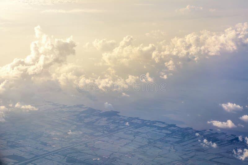 Nuages abstraits de vue aérienne de ton de ver photos libres de droits