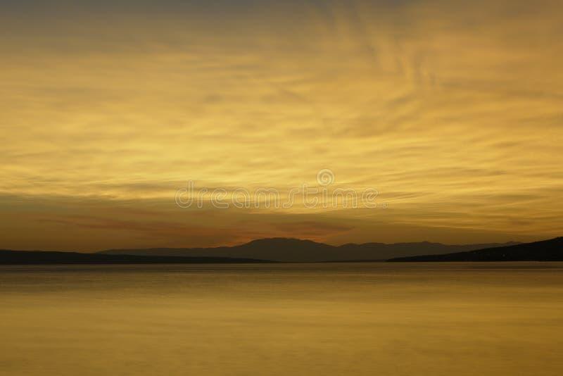 Nuages au coucher du soleil image libre de droits