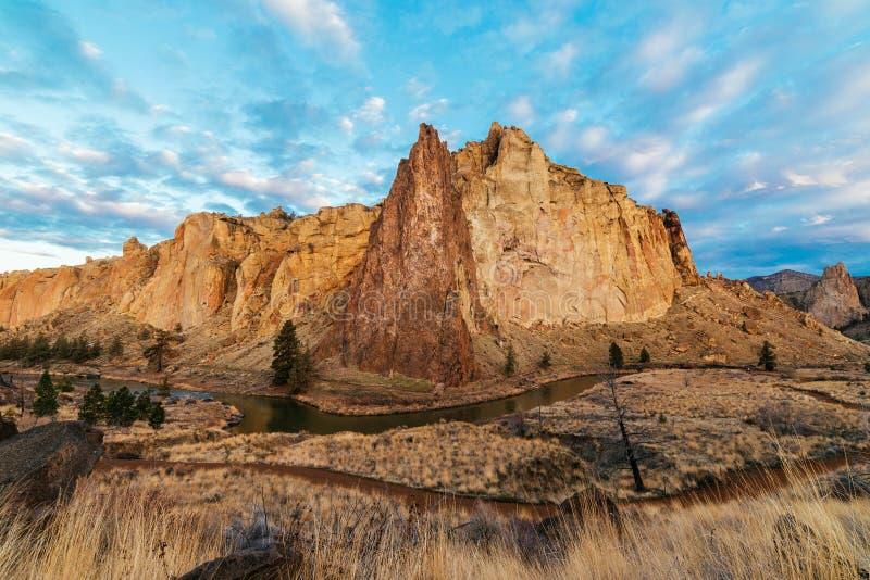 Nuages au-dessus de Smith Rock image libre de droits