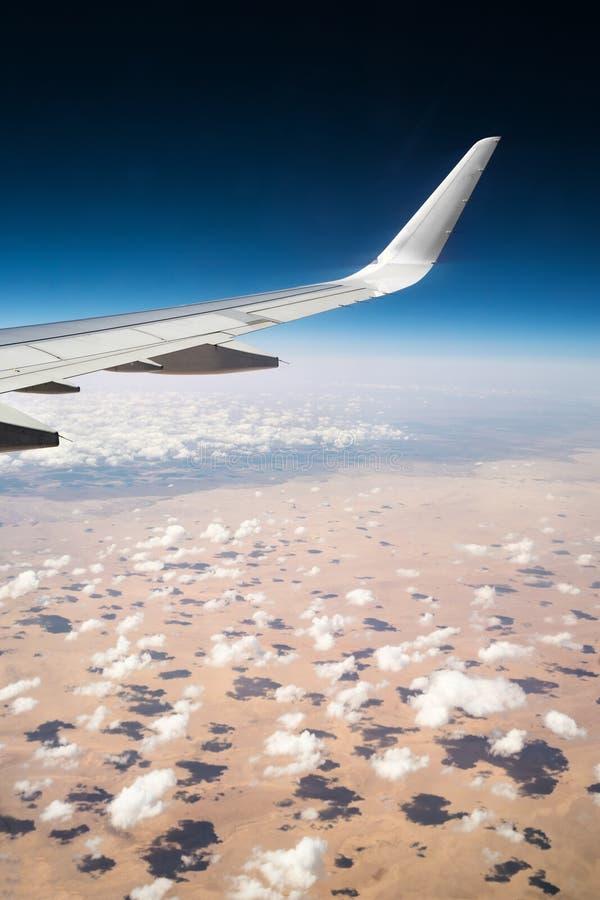 Nuages au-dessus du désert de l'Afrique image stock