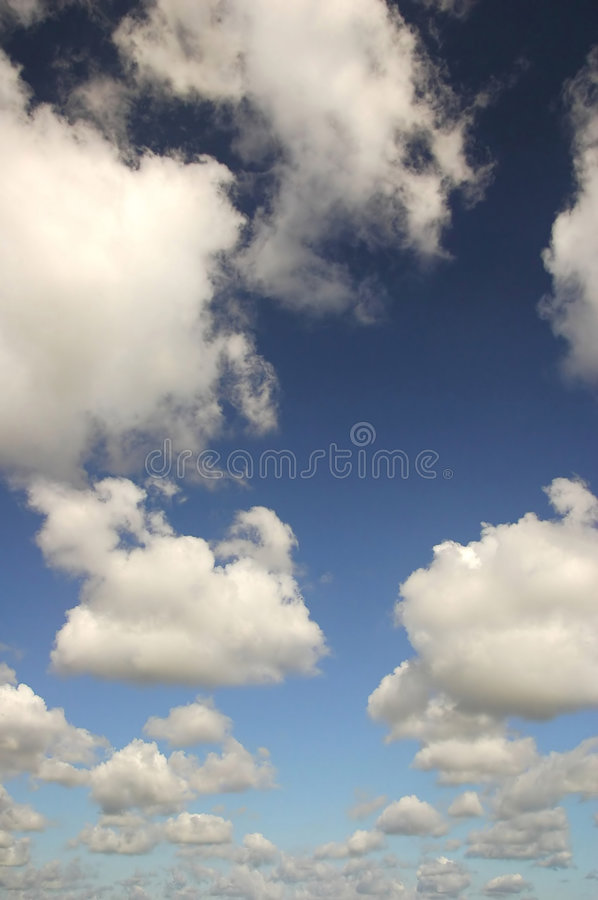 Nuages blancs images stock