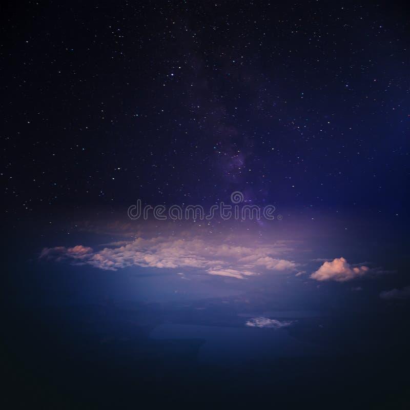 Nuages dans le panorama de l'atmosphère de ciel photos stock