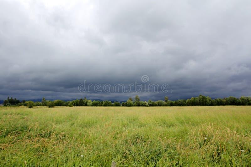 Nuages de pluie photographie stock