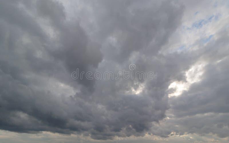Nuages de pluie de fond photo libre de droits