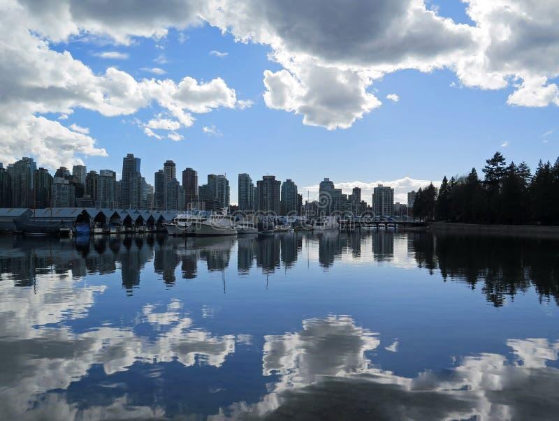 Nuages de pluie Vancouver photo stock