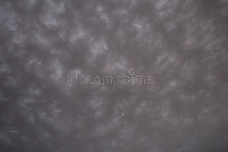 Nuages de Pré-tempête images libres de droits