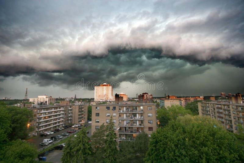 Nuages de tempête réels image libre de droits