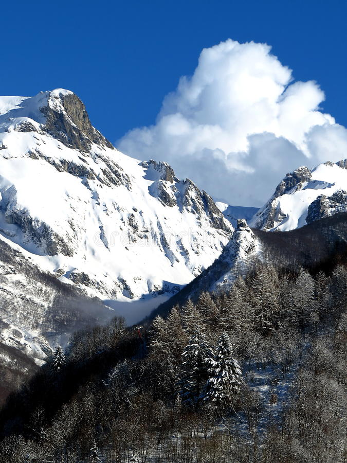Nuages et neige images libres de droits
