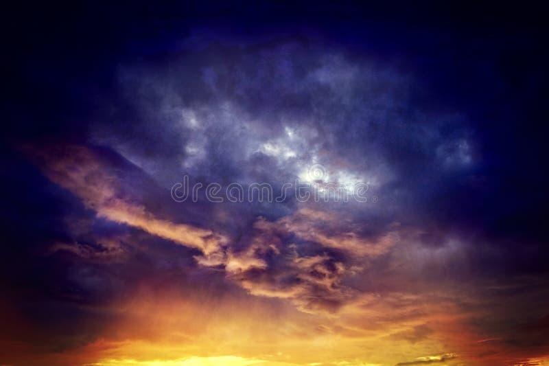 Nuages orageux photographie stock