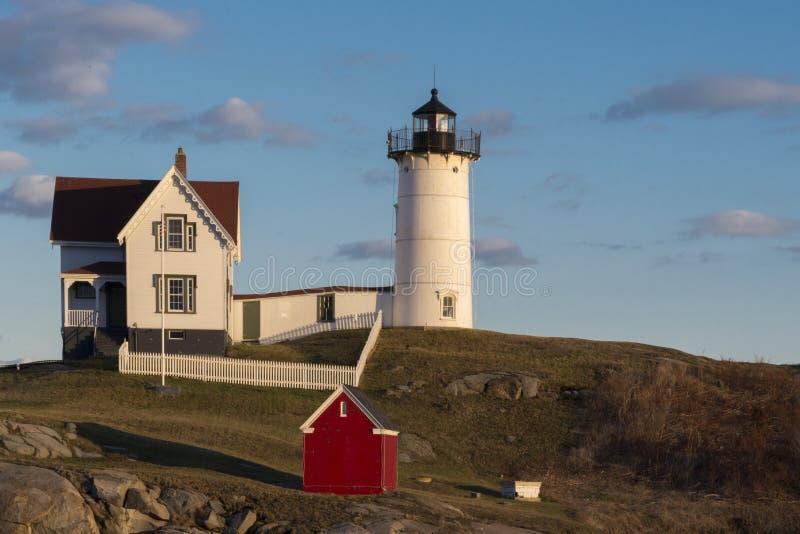 Nubble latarnia morska w Maine przy zmierzchem zdjęcie stock