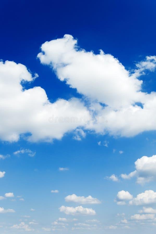 Download Nube fotografia stock. Immagine di radura, atmosfera, mosca - 3884298