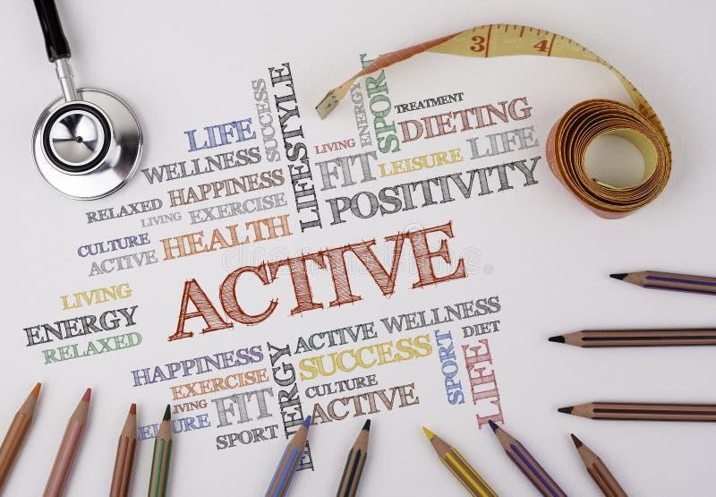 Nube ACTIVA de la palabra, aptitud, deporte, concepto de la salud imagen de archivo libre de regalías