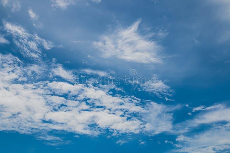 Nube blanca fotos de archivo