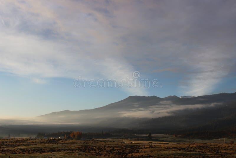 Nube de la montaña foto de archivo libre de regalías