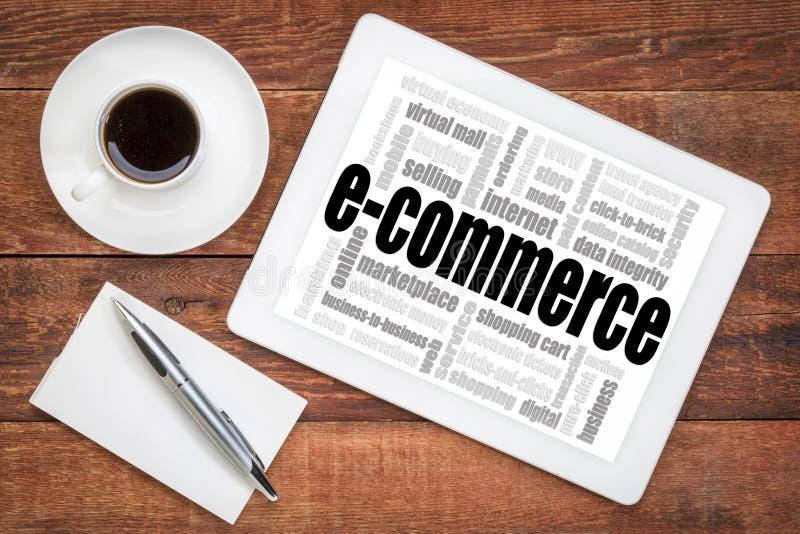 Nube de la palabra del comercio electrónico en la tableta imagen de archivo