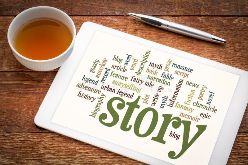 Nube de la palabra de la historia y de la narración en la tableta imagenes de archivo