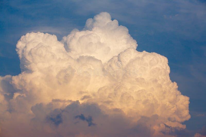 Nube de trueno foto de archivo libre de regalías