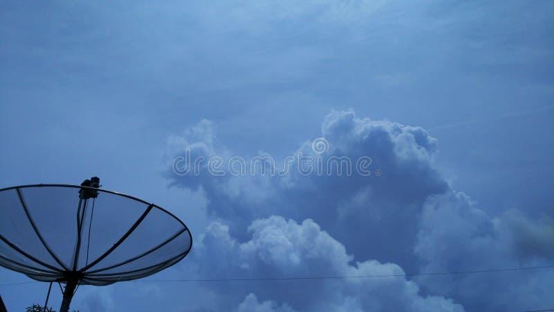 Nube en el espacio del fondo del cielo fotografía de archivo