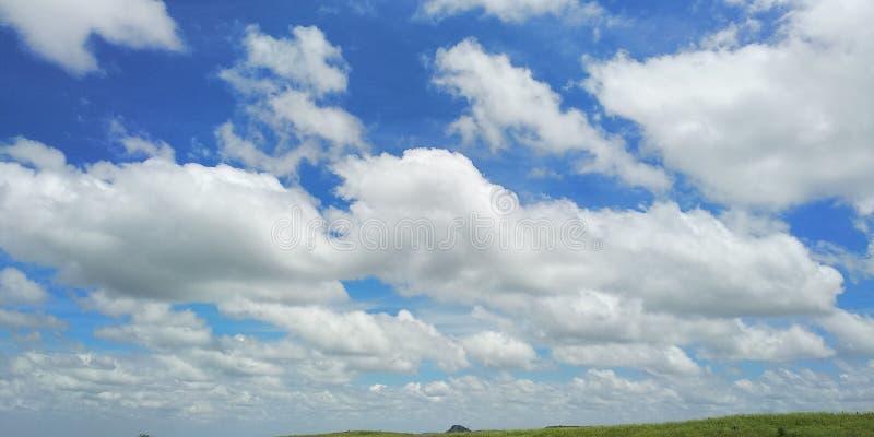 Nube fresca después de un poco de lluvia foto de archivo