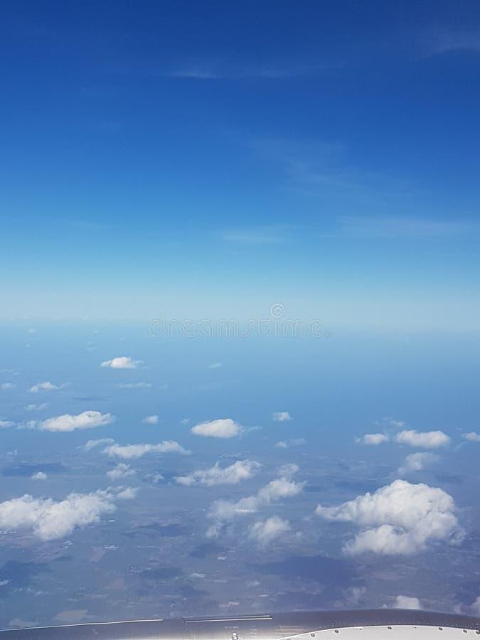 Nube y cielos desde arriba imagen de archivo