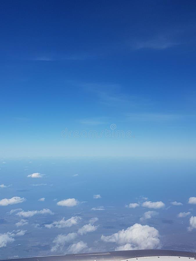 Nube y cielos desde arriba fotos de archivo