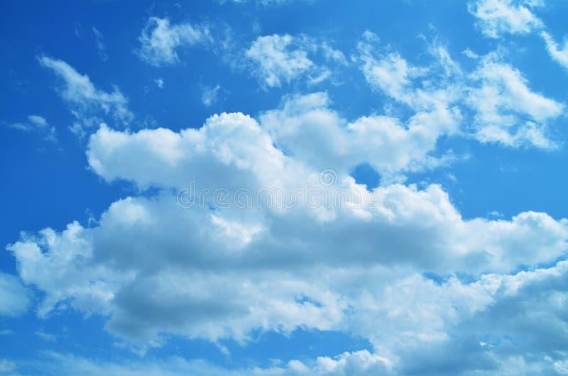 Download Nubes imagen de archivo. Imagen de blanco, verano, trigo - 64200821
