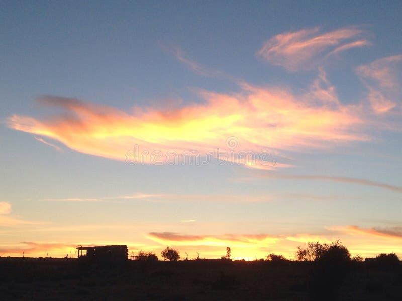 nubes Amarillento-rosadas fotografía de archivo