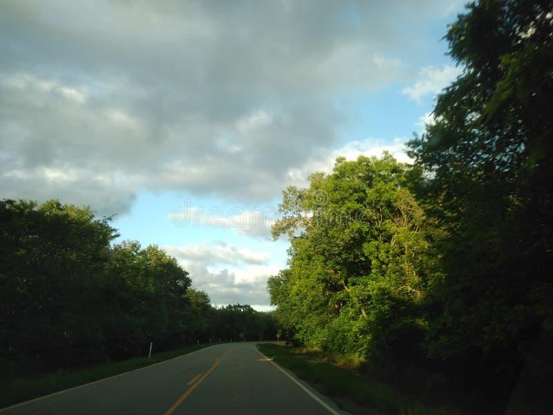 Nubes de la naturaleza de los tornados del cielo imágenes de archivo libres de regalías