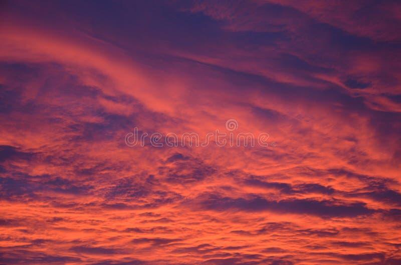 Nubes de la salida del sol imagen de archivo libre de regalías
