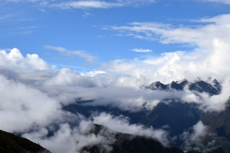 Nubes de las d'Entre images stock