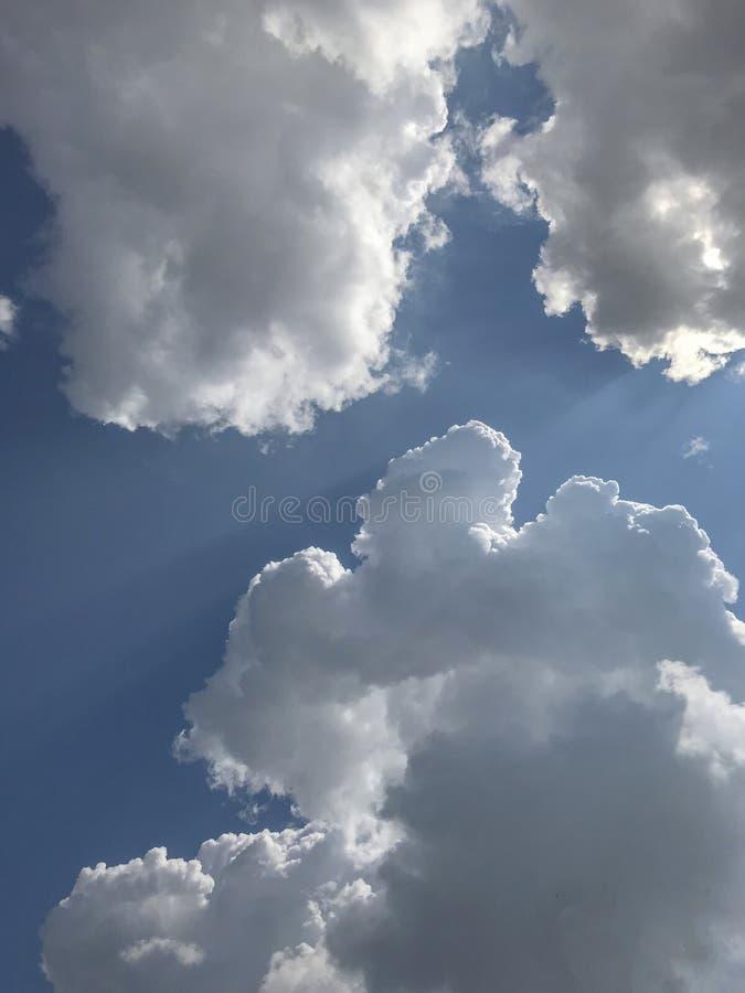 Nubes de lluvia en el cielo foto de archivo libre de regalías