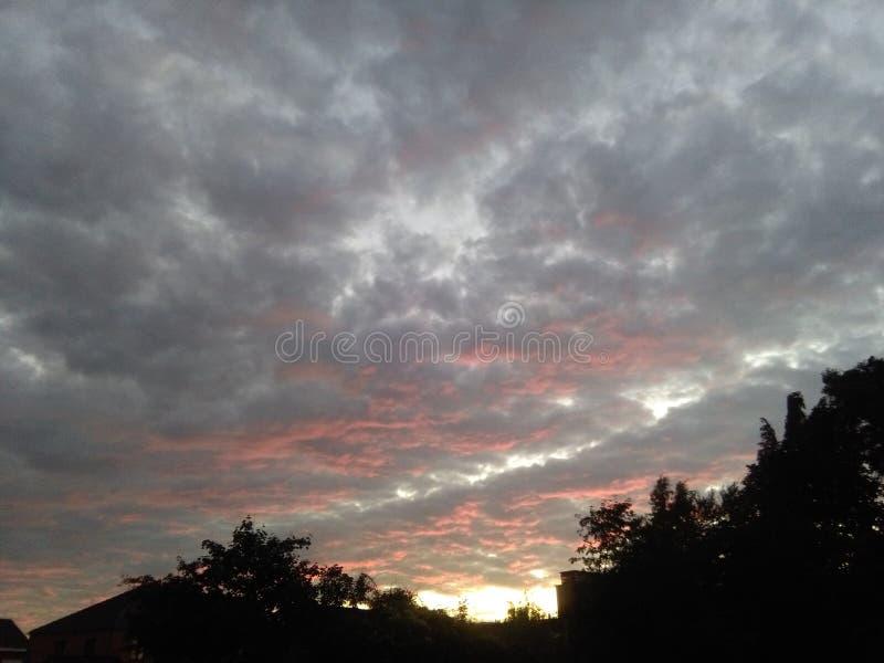 Nubes de Sunchine imagenes de archivo