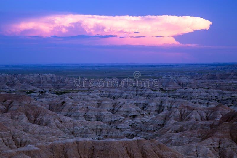 Nubes de tormenta de la elaboración de la cerveza en los Badlands, Dakota del Sur imagen de archivo libre de regalías