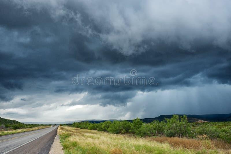 Nubes de tormenta oscuras fotos de archivo