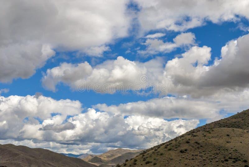 Nubes dramáticas de Idaho sobre las montañas imagen de archivo libre de regalías